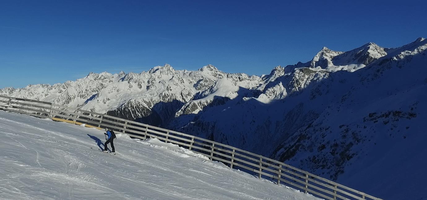 Le ski de rando en station : une situation «unique» ce Noël mais des précautions à prendre…
